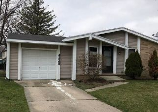 Foreclosed Home in Lansing 48911 MACDOUGAL CIR - Property ID: 4525623568