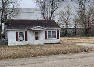 Foreclosed Home in Kennett 63857 BRADLEY ST - Property ID: 4525993211