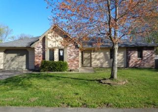 Foreclosed Home in Columbia 65202 ARROW WOOD DR - Property ID: 4526063740