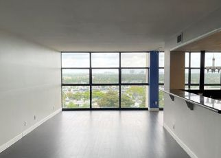 Foreclosed Home in Hallandale 33009 PARKVIEW DR - Property ID: 4526247240