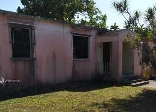 Foreclosed Home in Miami 33150 NW 68TH TER - Property ID: 4526250306