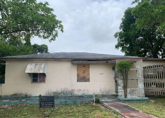 Foreclosed Home in Miami 33125 NW 29TH AVE - Property ID: 4526252955