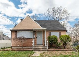 Foreclosed Home in Bay Shore 11706 SULLIVAN ST - Property ID: 4526335720