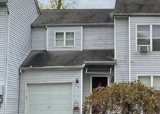 Foreclosed Home in Glen Cove 11542 COLES CT - Property ID: 4526345797