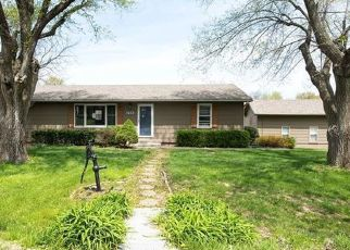 Foreclosed Home in Pleasant Hill 64080 LAWNDALE AVE - Property ID: 4526608578