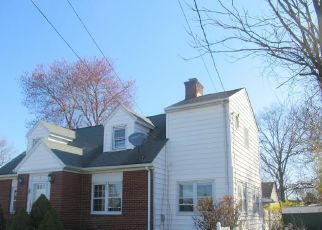 Foreclosed Home in Stamford 06906 JUDY LN - Property ID: 4526672974