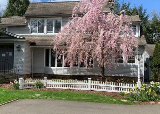 Foreclosed Home in Norwalk 06854 ROWAYTON WOODS DR - Property ID: 4526711948