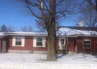 Foreclosed Home in Pierceton 46562 N FIRST ST - Property ID: 4526865219
