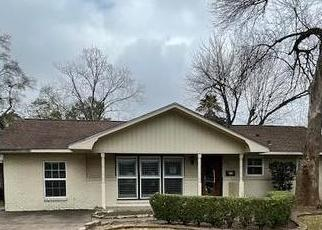 Foreclosed Home in Houston 77055 PINE LAKE DR - Property ID: 4526969465