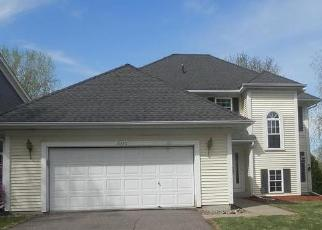 Foreclosed Home in Eden Prairie 55346 WOODLAND DR - Property ID: 4526997495