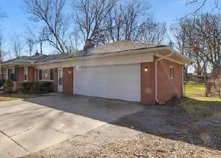 Foreclosed Home in Romulus 48174 HENRY RUFF RD - Property ID: 4527086852
