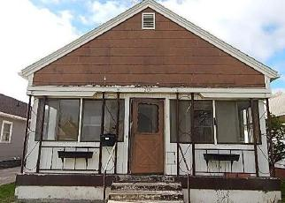 Foreclosed Home in Des Moines 50317 E WALNUT ST - Property ID: 4527092534