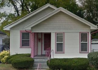 Foreclosed Home in Dayton 45402 BURLEIGH AVE - Property ID: 4527107426