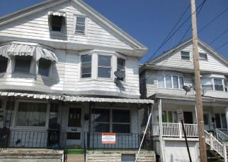 Foreclosed Home in Shenandoah 17976 FLORIDA AVE - Property ID: 4527136773