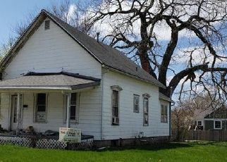 Foreclosed Home in Creston 50801 S MAPLE ST - Property ID: 4527188900