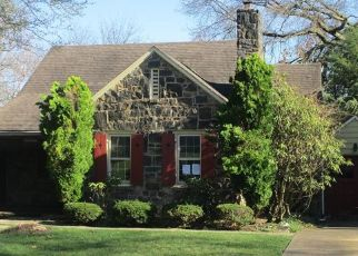 Foreclosed Home in New Kensington 15068 WOODBERRY RD - Property ID: 4527248901