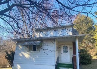 Foreclosed Home in Jeannette 15644 ALTMAN RD - Property ID: 4527251967