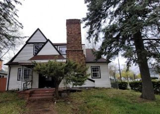 Foreclosed Home in Pontiac 48340 SPENCE ST - Property ID: 4527303644