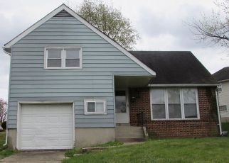 Foreclosed Home in Baltimore 21229 MARTIN DR - Property ID: 4527343492