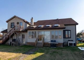 Foreclosed Home in Dundalk 21222 DEBOY AVE - Property ID: 4527346114