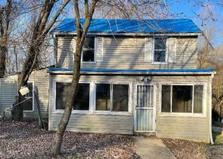 Foreclosed Home in Capitol Heights 20743 OLD WALNUT ST - Property ID: 4527360576