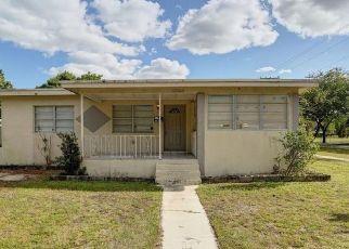 Foreclosed Home in Miami 33162 NE 154TH ST - Property ID: 4527405695