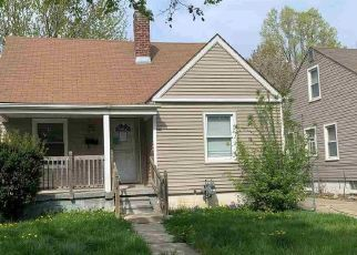 Foreclosed Home in Harper Woods 48225 KENOSHA ST - Property ID: 4527571234