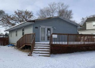 Foreclosed Home in Minot 58703 17TH ST NW - Property ID: 4527659268