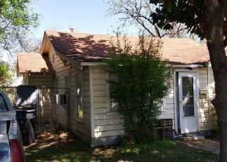 Foreclosed Home in Dallas 75211 W CLARENDON DR - Property ID: 4527795933