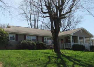 Foreclosed Home in Bristol 37620 WALNUT RD - Property ID: 4527796357