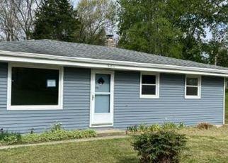 Foreclosed Home in Burlington 53105 CRISPUS ATTUCKS DR - Property ID: 4527840149
