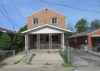 Foreclosed Home in Pittsburgh 15226 WOODWARD AVE - Property ID: 4528086739