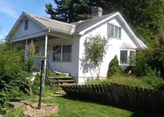 Foreclosed Home in Pittsburgh 15235 UNIVERSAL RD - Property ID: 4528090233