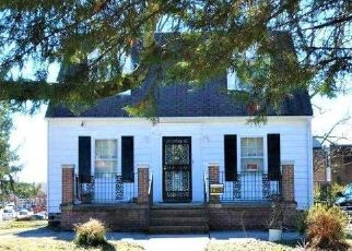 Foreclosed Home in Baltimore 21206 HAMILTON AVE - Property ID: 4528224254