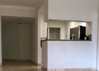 Foreclosed Home in Miami 33131 BRICKELL KEY DR - Property ID: 4528273312