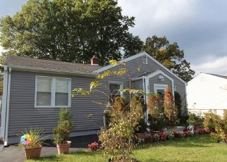 Foreclosed Home in Wethersfield 06109 ALBERT AVE - Property ID: 4528342966