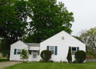 Foreclosed Home in South Bend 46619 PARKWAY - Property ID: 4528423537