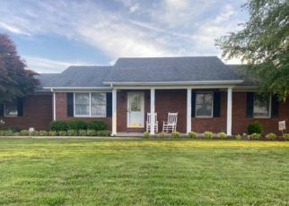 Foreclosed Home in Hodgenville 42748 OLD ELIZABETHTOWN RD - Property ID: 4528656992