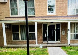Foreclosed Home in Redford 48240 W 7 MILE RD - Property ID: 4528754653