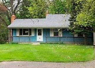 Foreclosed Home in Lansing 48917 N WAVERLY RD - Property ID: 4528922390
