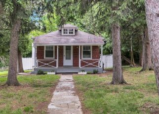 Foreclosed Home in Reading 19601 LUZERNE ST - Property ID: 4528993789