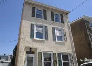 Foreclosed Home in Philadelphia 19127 BAKER ST - Property ID: 4529012617