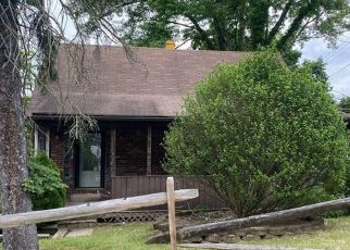 Foreclosed Home in Pittsburgh 15235 WHITTIER DR - Property ID: 4529022690