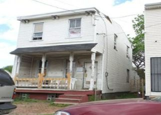 Foreclosed Home in Camden 08103 MOUNT VERNON ST - Property ID: 4529165469