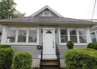 Foreclosed Home in Gloucester City 08030 BERGEN ST - Property ID: 4529167662