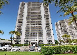 Foreclosed Home in Miami 33180 N COUNTRY CLUB DR - Property ID: 4529192623