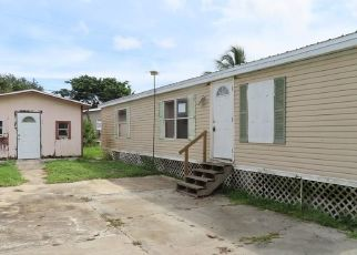 Foreclosed Home in Clewiston 33440 ARKANSAS AVE - Property ID: 4529201383