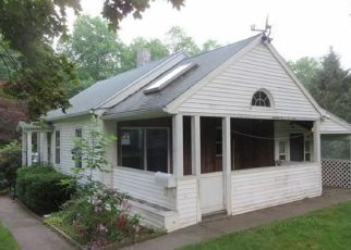 Foreclosed Home in Oakville 06779 MORRO ST - Property ID: 4529290731