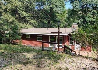 Foreclosed Home in Canton 06019 STERLING DR - Property ID: 4529296419