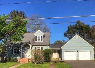 Foreclosed Home in Enfield 06082 SUMMER ST - Property ID: 4529297740
